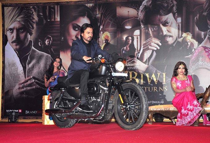 Irrfan Rides A Bike And Soha Looks On At The Trailer Launch Of Saheb Biwi Aur Gangster Returns