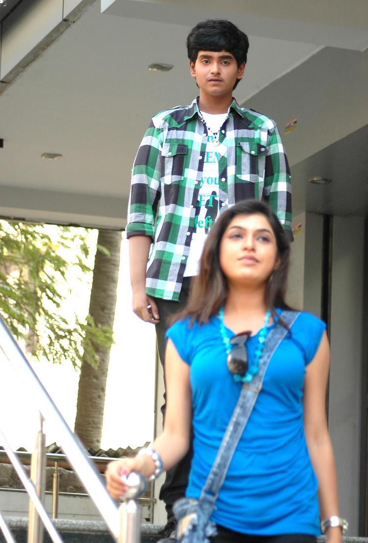 Supreme And Bhavani A Still From Boyfriend Telugu Movie