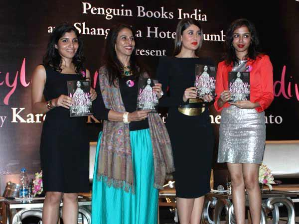 Shobhaa And Kareena With Friends Posed At Rochele Pinto Book Launch Event