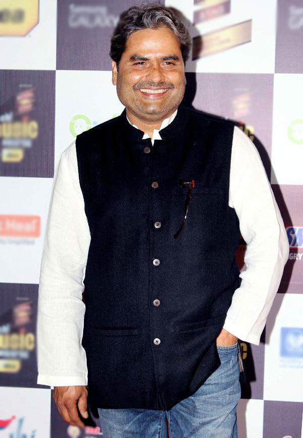 Vishal Bhardwaj Flashes A Smile At Radio Mirchi Music Awards Red Carpet 2013
