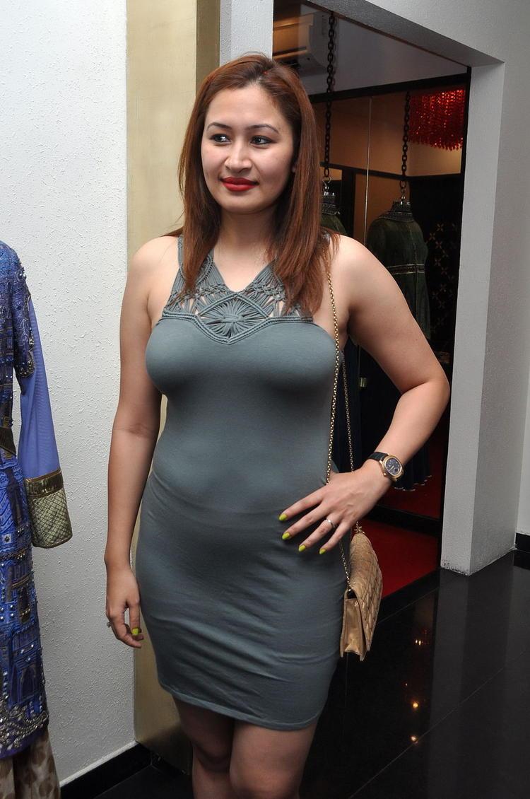 Jwala Gutta Sizzling And Attractive Photo Still
