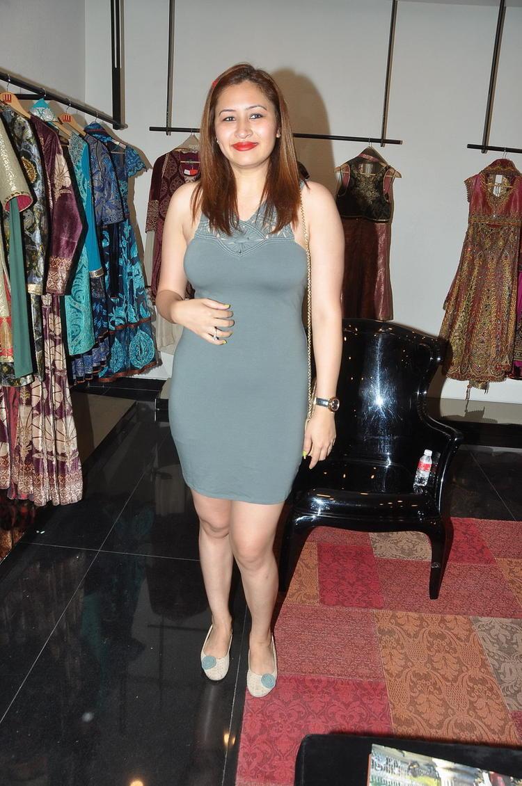 Jwala Gutta Spicy Pose Photo Still In A Mini Dress