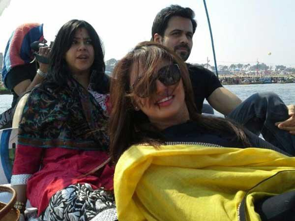 Ekta,Emraan And Huma Smiling Pose At Kumbh Mela In Allahabad