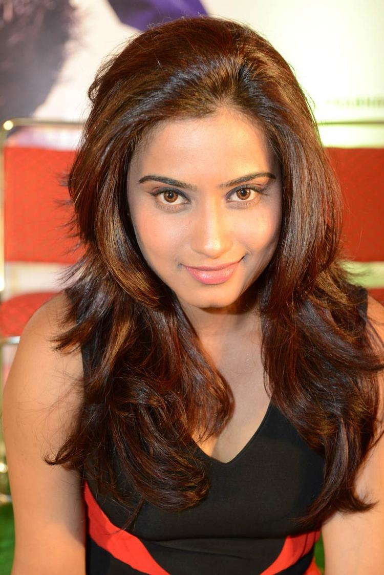 Dimple Chopra Hot Gorgeous Look Photo At Romance Movie Teaser Launch