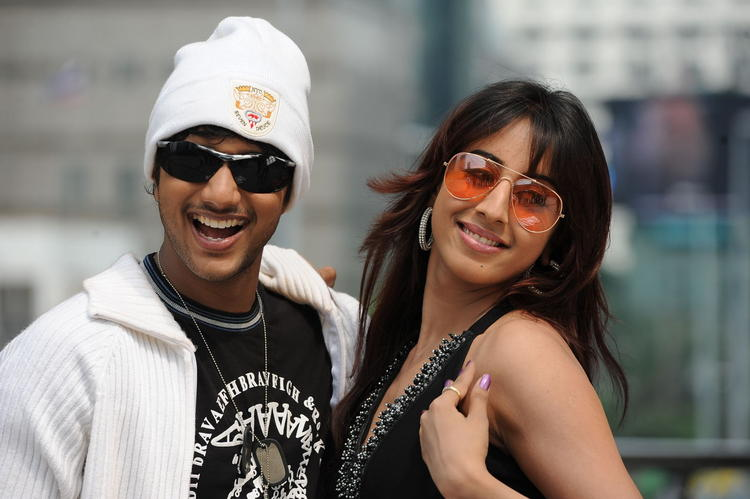 Jayanth And Sanjana Nice Still From Siva Kesav Movie
