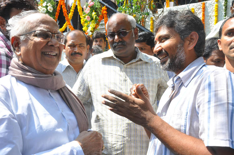 ANR Chatting With S. S. Rajamouli And M. M. Keeravaani Looks On At Emo Gurram Egara Vachu Movie Launch Event