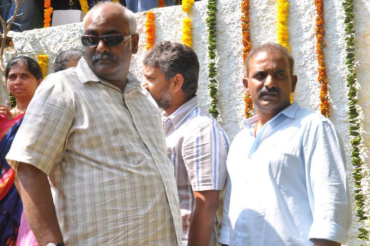 M. M. Keeravaani And S. S. Rajamouli At Emo Gurram Egara Vachu Movie Launch Event