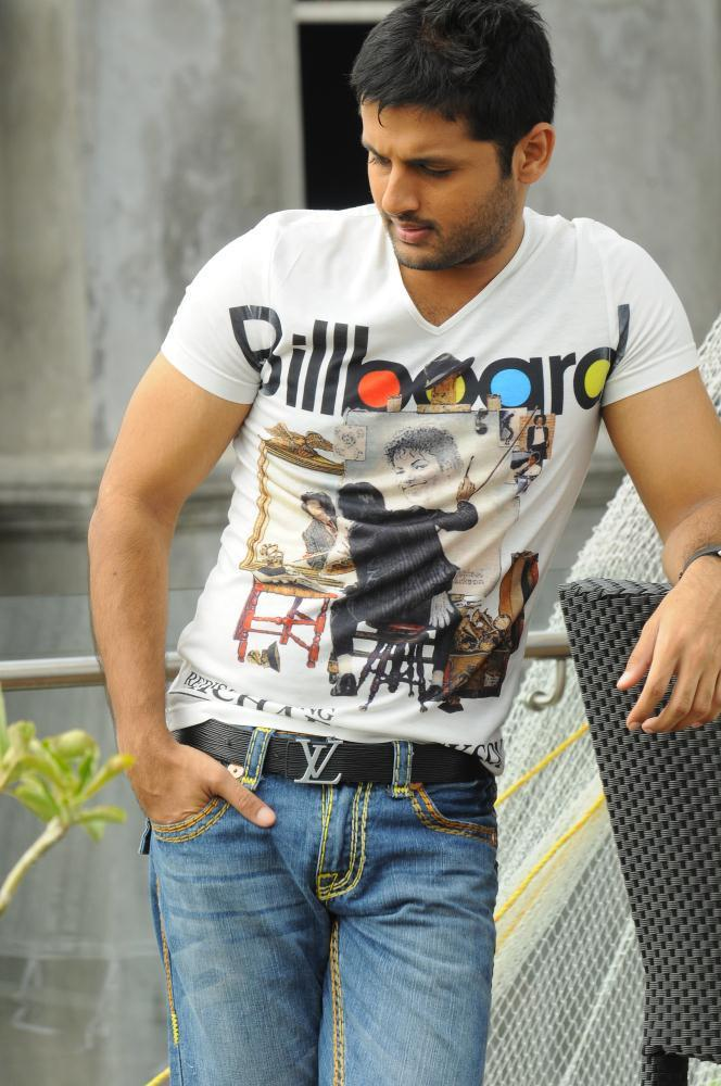 Nitin Smart Look Photo Still From Movie Gunde Jaari Gallanthayyinde