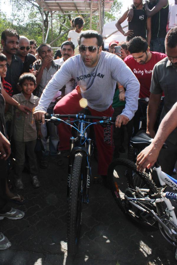 Salman Khan Spotted At Mumbai Car Free Day Rally