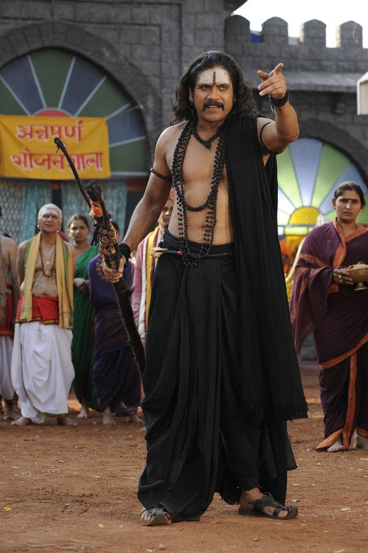 Nagarjuna Angry Look On The Sets Of Sri Jagadguru Adi Shankara Movie