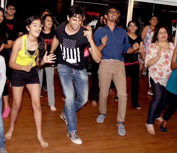 Sidharth Malhotra Nice Dancing Pose At The Strut Dance Academy