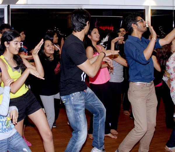 Sidharth Malhotra Performed At The Strut Dance Academy