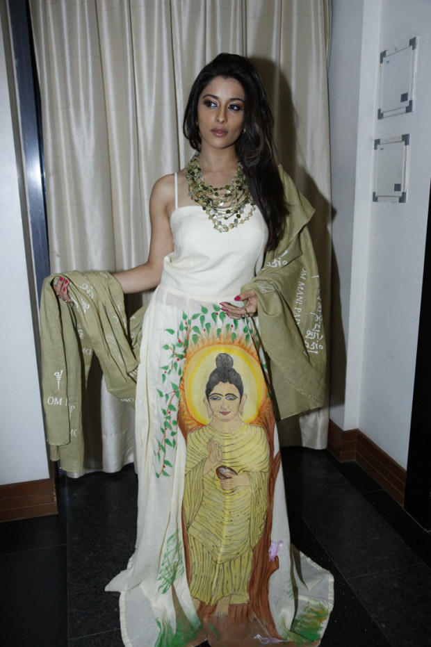 Madhurima Elegant Look Photo Still At Art-De Arahant Art Exhibition