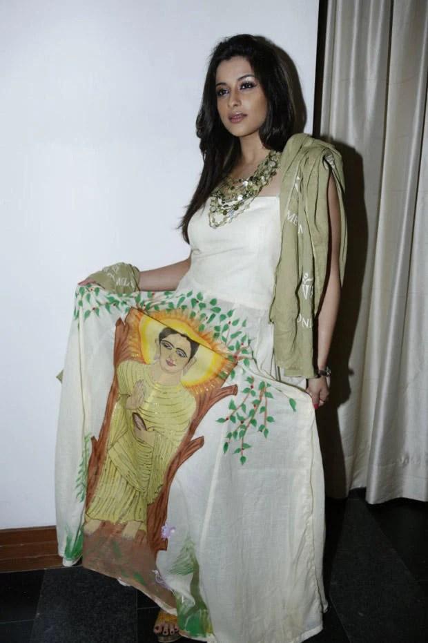 Madhurima Looked Radiant And Beautiful Still At Art-De Arahant Art Exhibition