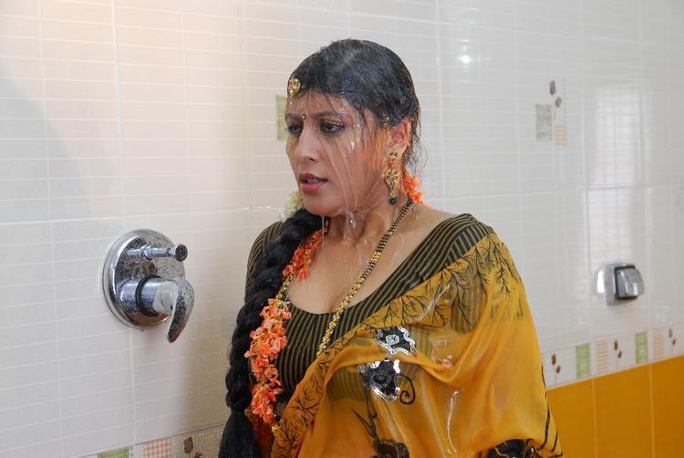 Vinta Kapuram Movie Sizzling Hot Still