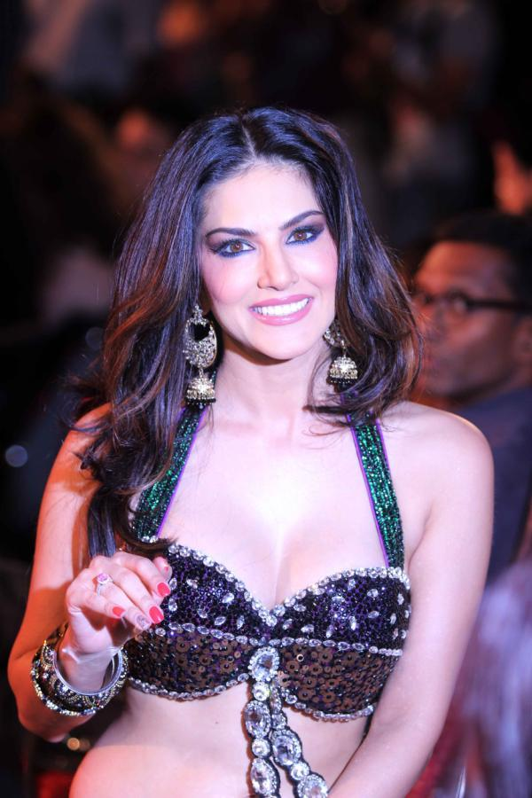 Sunny Leone Stunning Sexy Look At The Music Launch Of Shootout At Wadala