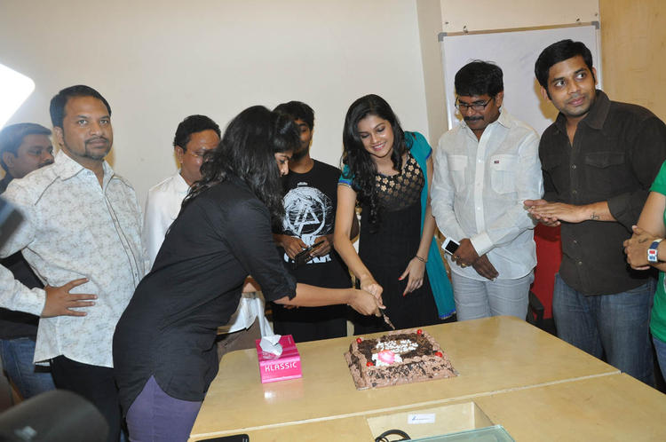 Ashritha Shetty Cake Cutting Photo Clicked At Udhayam NH4 Movie Audio Launch