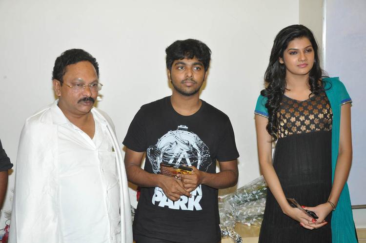 Ramesh,GV Prakash And Ashritha Posed For Camera At Udhayam NH4 Movie Audio Launch