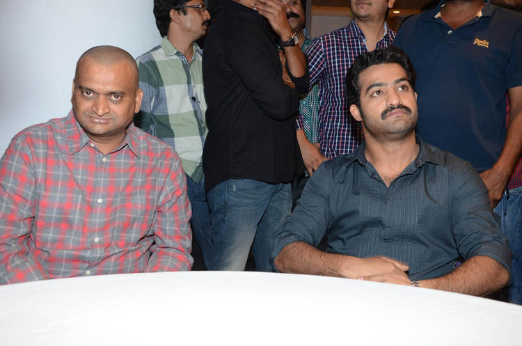 Bandla Ganesh And Jr.NTR Photo Clicked At Baadshah Movie Success Meet