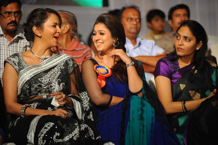 Lakshmi And Nayanthara Cool Gossip At Nandi Film Awards 2011 Function