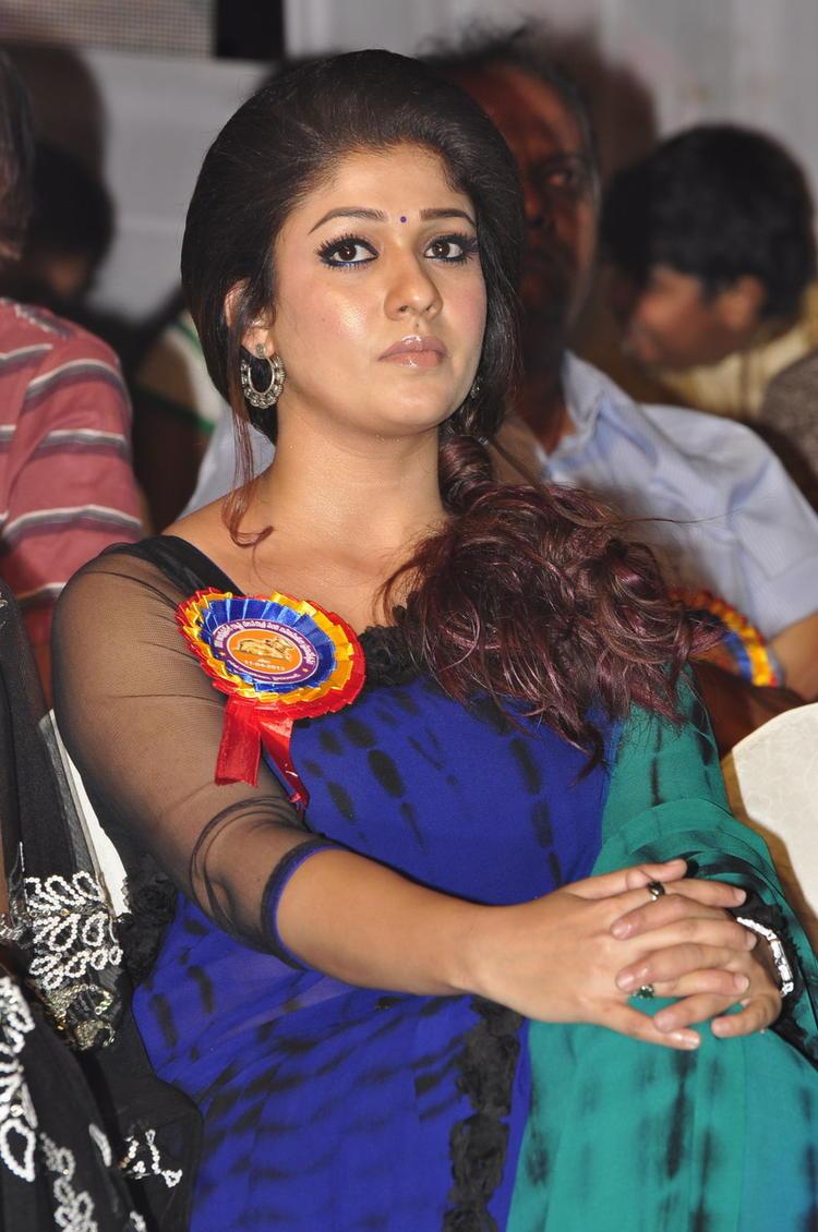 Nayanthara Charming Face Look At Nandi Awards 2011 Function