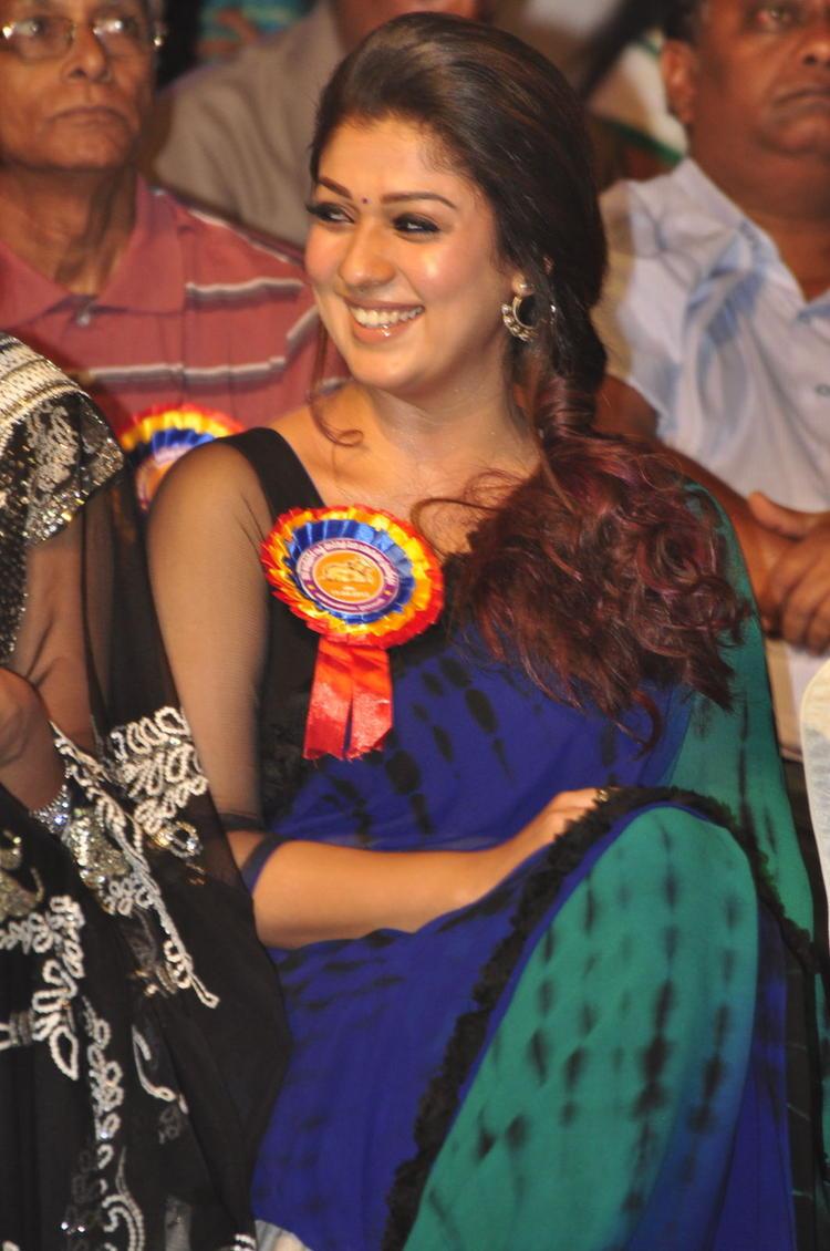 Nayanthara Smiling Look At Nandi Awards 2011 Function