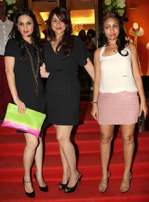 Anu Dewan Clicked During The Farah Khan Ali Store Launch Party