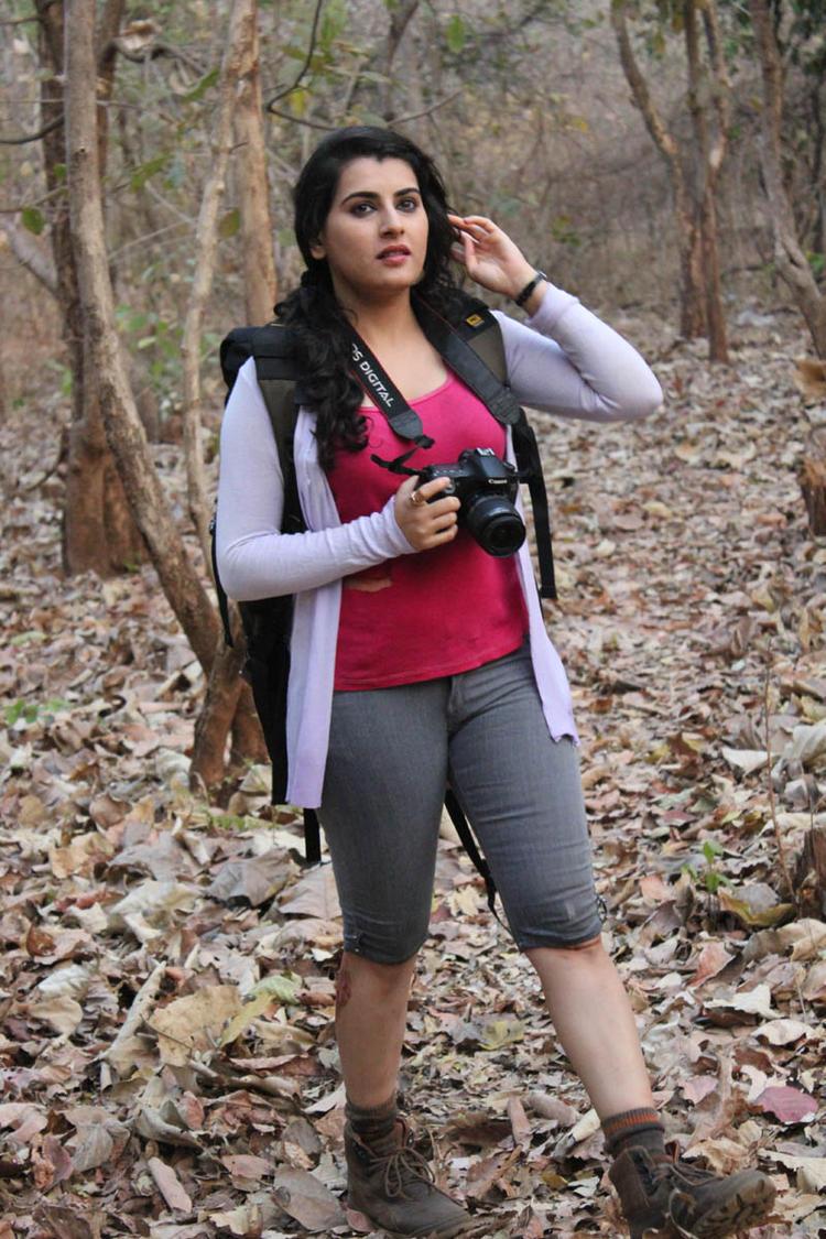Archana Looked Glamorous Photo Still From Movie Panchami