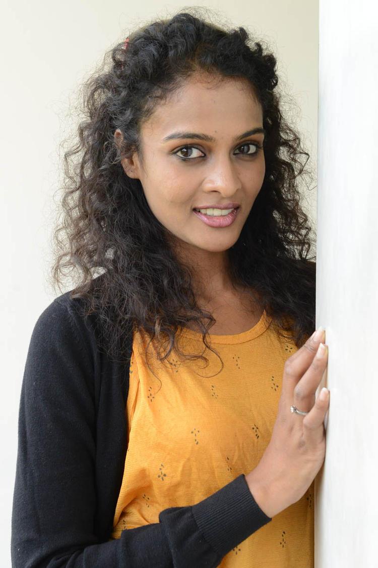 Sonia Deepti Curly Hair Cool Look At Mr.Manmadha Platinum Disc Function