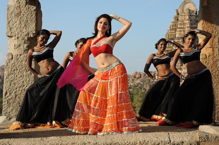 Tamannaah Bhatia Sexy Dance Pose From Thadaka Movie
