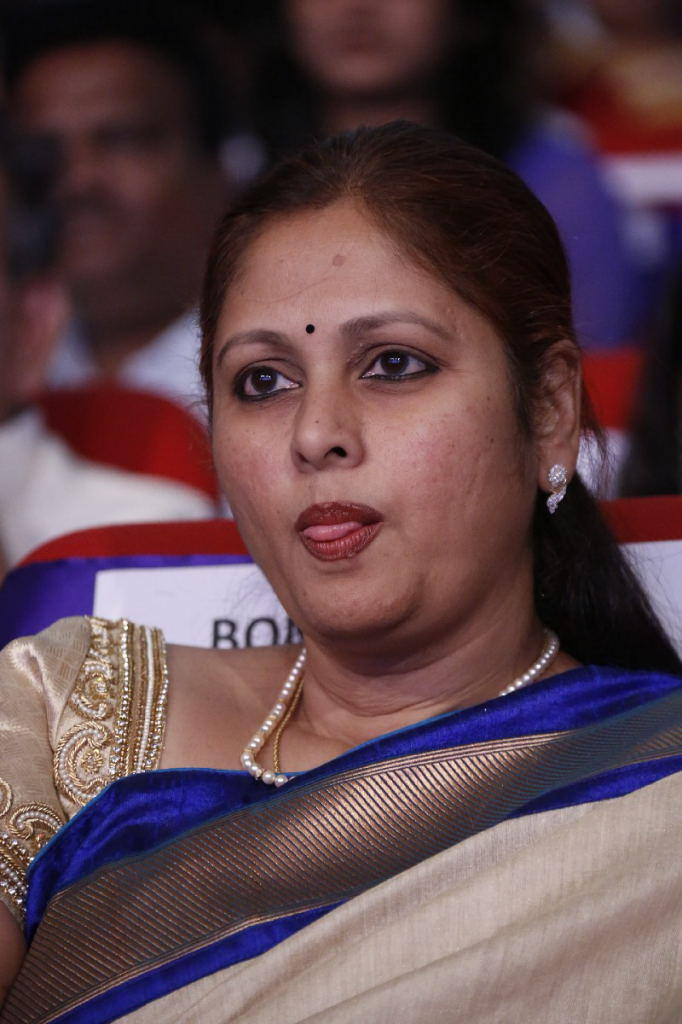 Jayasudha Cute Face Look At TSR TV9 Film Awards Function 2013