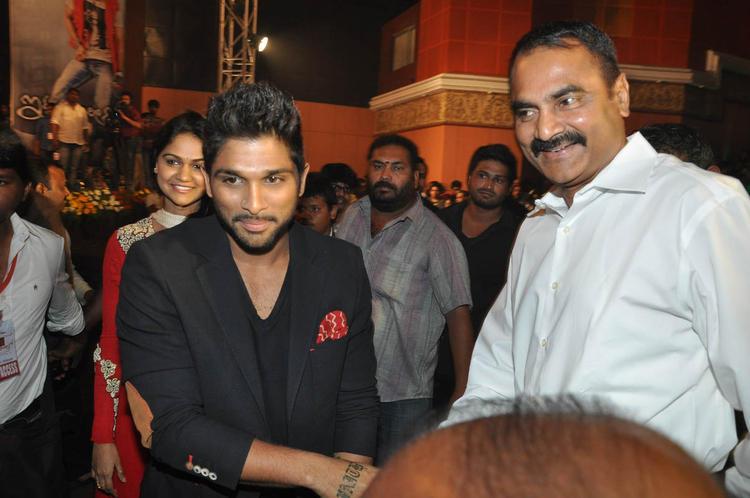 Allu Arjun Dazzles At Iddarammayilatho Audio Launch Function
