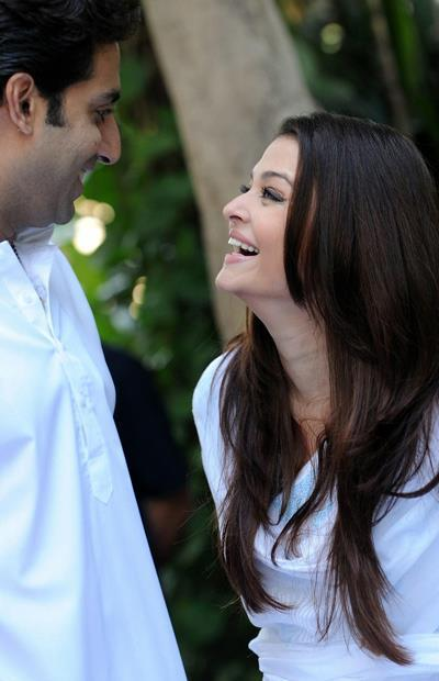 Abhishek With Wife Aishwarya Smiling Look At Home During The Girl Child Support Event