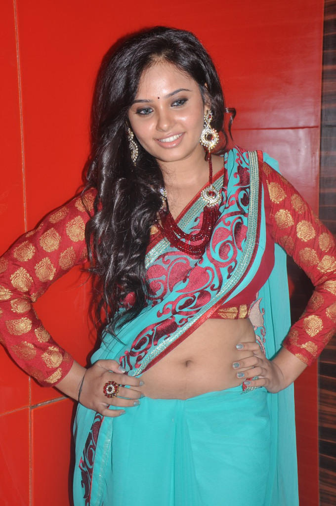 Aarushi Show Her Sexy Navel At Adithalam Audio Launch Event