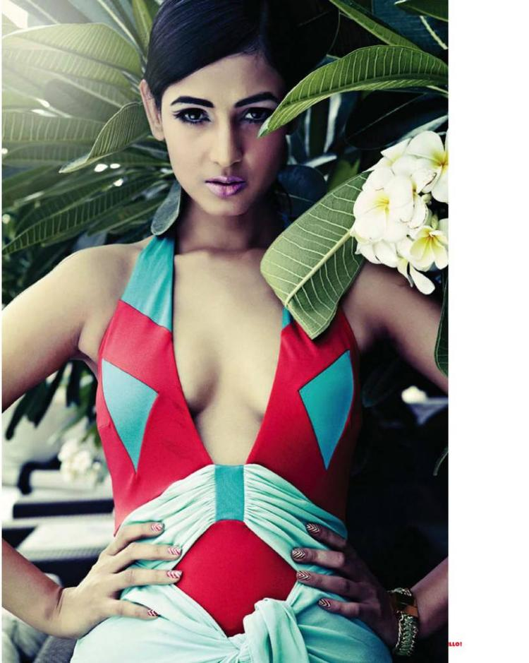 Sonal Chauhan Sexy Spicy Look Photo Shoot For Hello! India Magazine June 2013