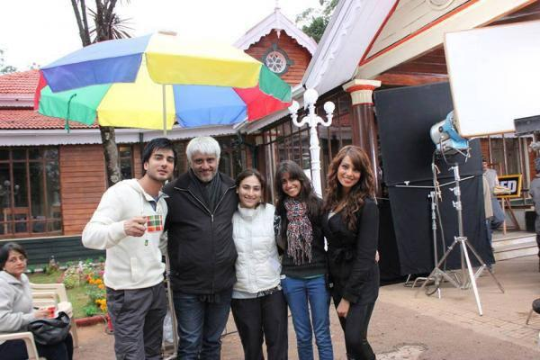 Imran Abbas,Vikram And Bipasha Cool Posed On The Sets Of Creature