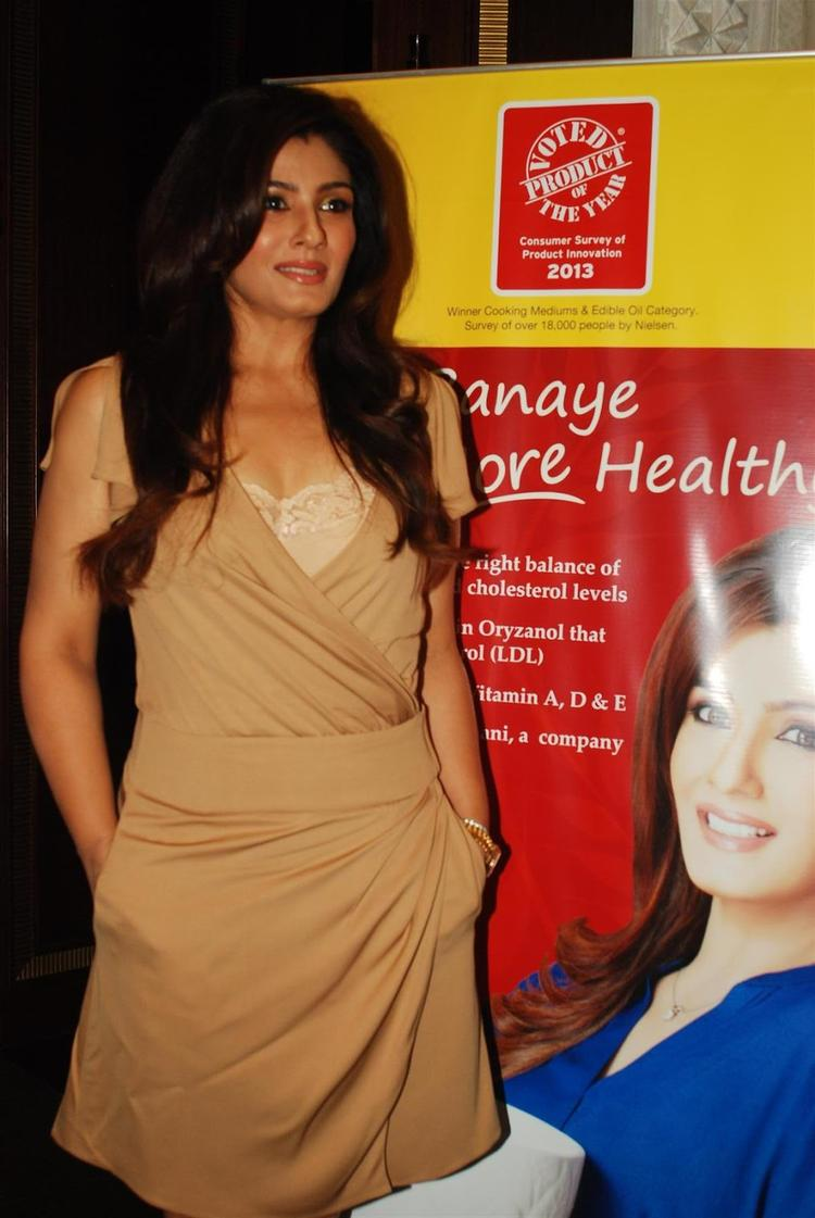 Raveena Tandon Shows Off Her Inkings At Riso Rice Bran Oil Event