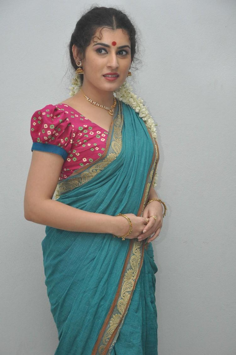 Archana Posed For Camera During The Maha Bhaktha Siriyala Movie Audio Release Function