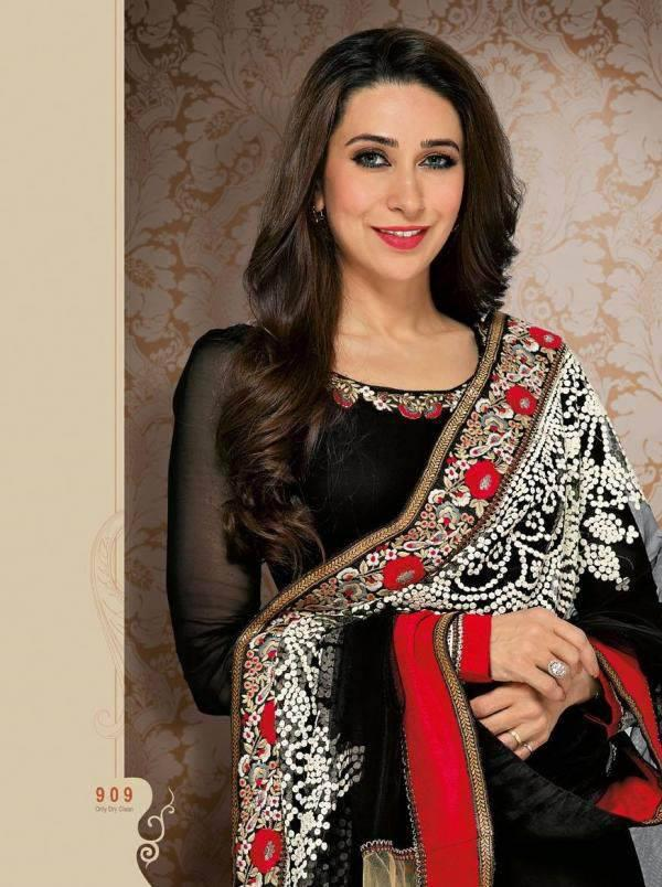 Pretty Karisma Kapoor Nice Pic In This Beautifuly Designed Dress