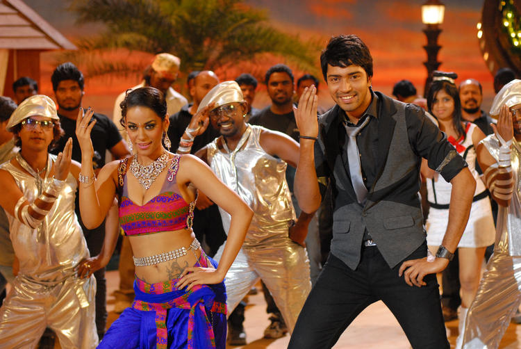 Allari Naresh Dancing In A Item Song From The Movie Kevvu Keka