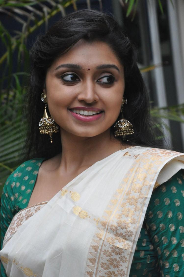 Sija Rose In Saree Glamour Look Still At Ela Cheppanu Movie Audio Release Function