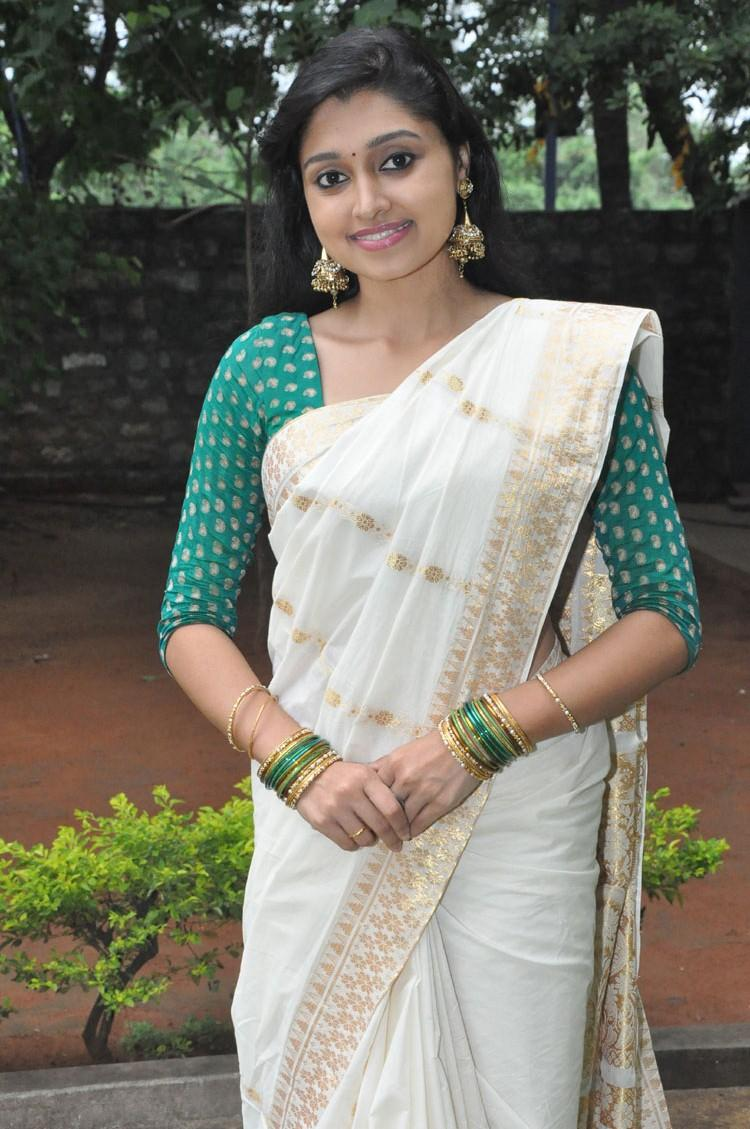 Sija Rose Trendy Look In Saree Still At Ela Cheppanu Movie Audio Release Function