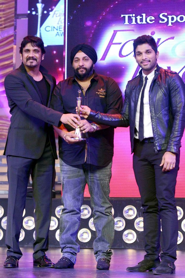 Nagarjuna And Allu Arjun On The Stage Of Cine Maa Awards 2013