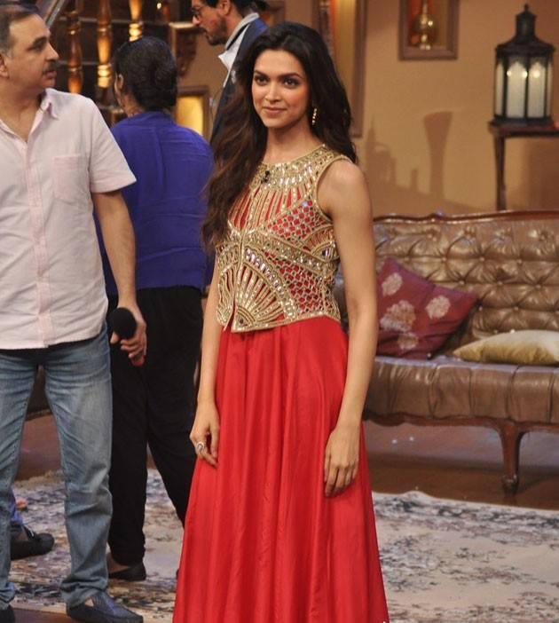Deepika Padukone Fashionable Look On The Sets Of Comedy Nights With Kapil