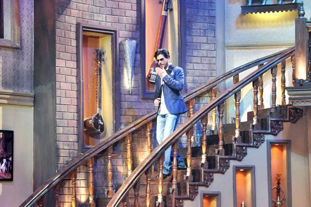 Shahrukh Khan Arrives On The Sets Of The Comedy Show Comedy Nights With Kapil