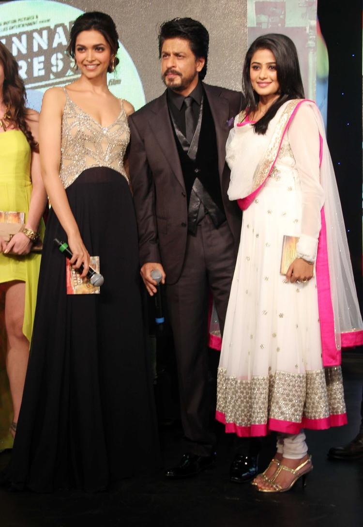 Deepika,SRK And Priyamani Graced At Chennai Express Movie Audio Release Function