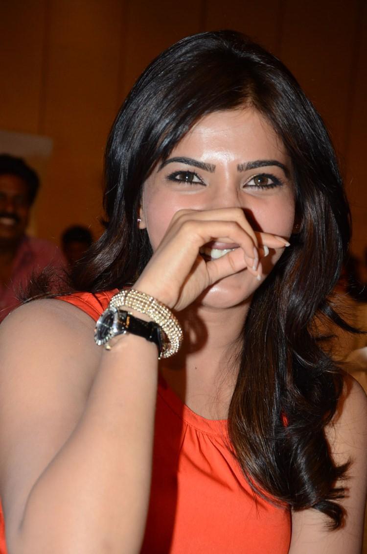 Samantha Cool Laughing At Bangaru Kodipetta Movie Audio Launch Function