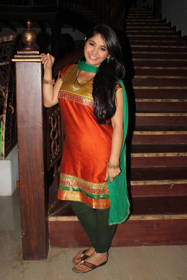 Chandni Bhagwanani Posed On The Sets Of Amita Ka Amit During The Promotion Of Issaq Movie