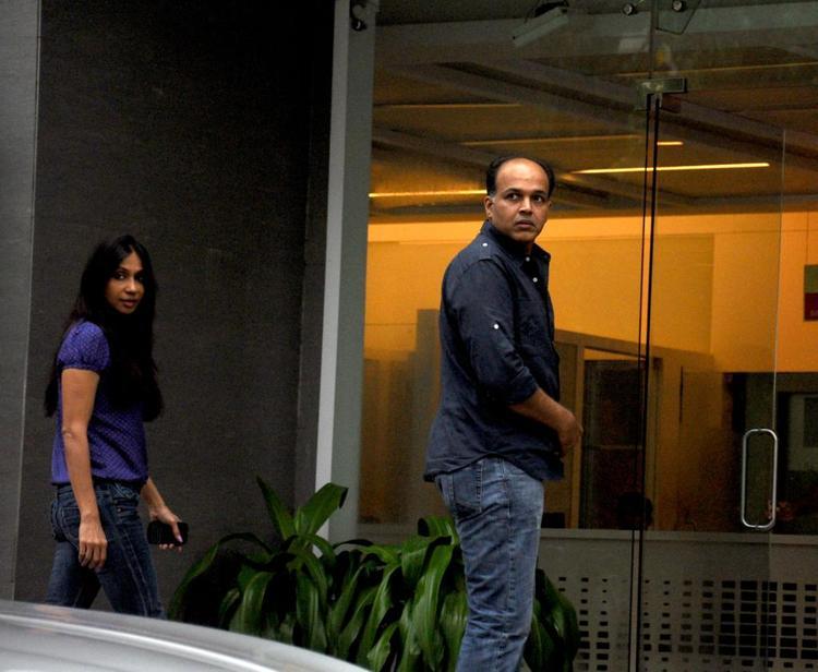 Ashutosh And Sunita Visit Hrithik Roshan Post His Surgery At Hinduja Hospital