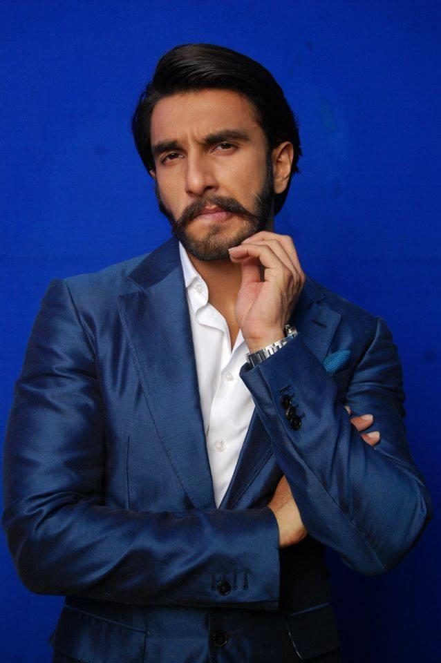 Ranveer Singh Cool Funny Look On Behind The Scenes At Comedy Night With Kapil Show